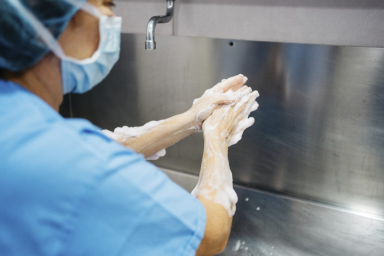 How to Wash Your Hands Like a Surgeon | RealSelf News
