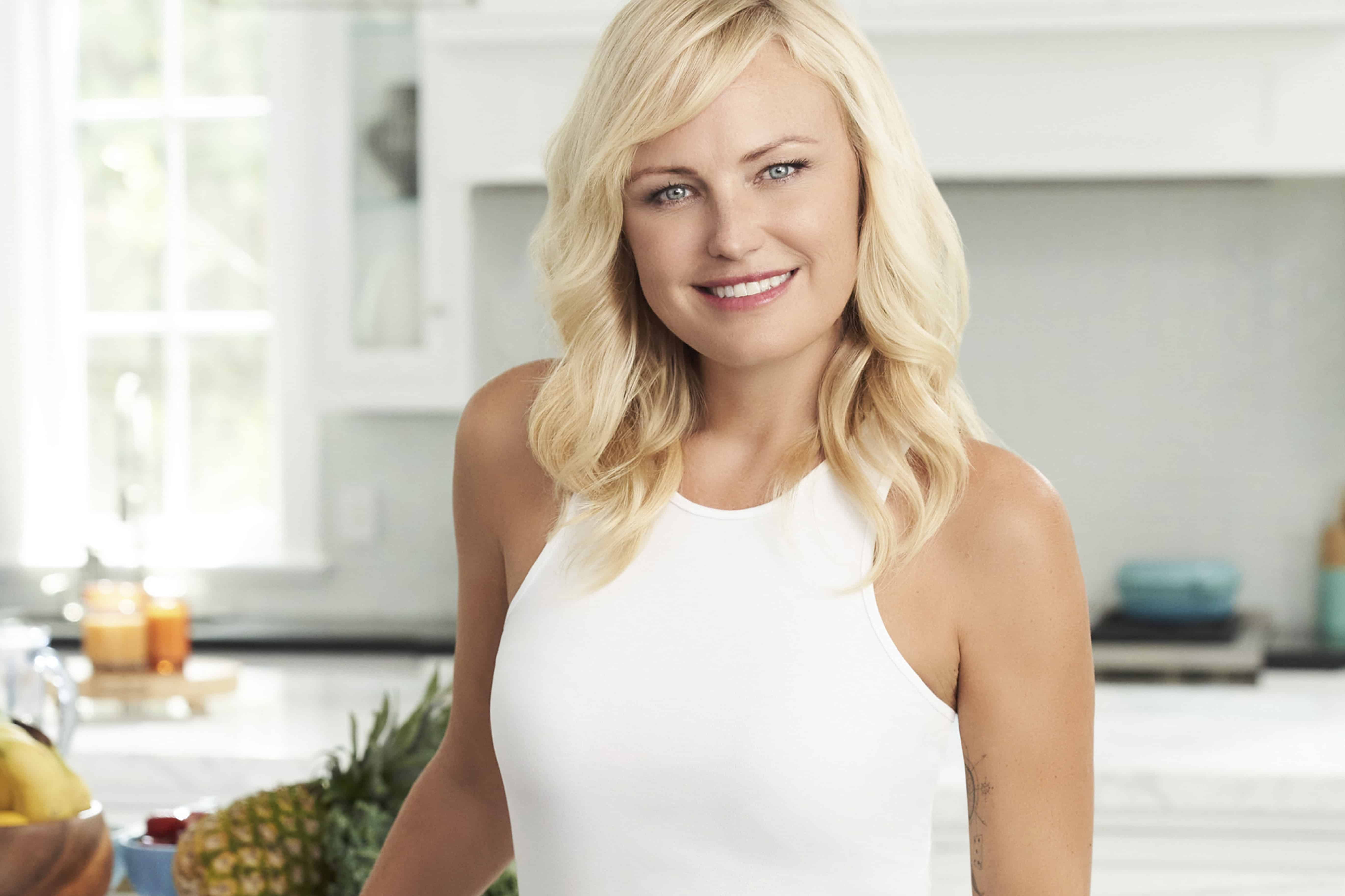 We chatted with Malin Akerman about why she loves fat-freezing and muscle-toning treatments, the procedure she regrets, and her quarantine beauty routine.